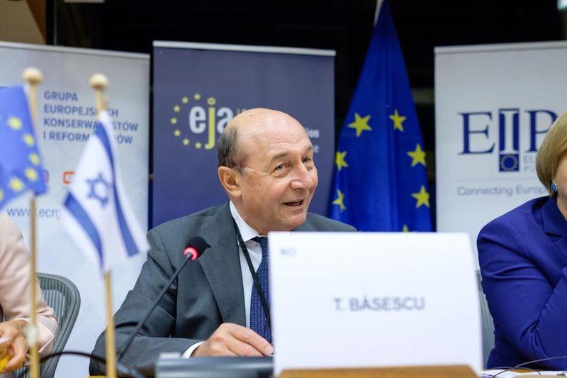 Verdictul avocatului Piperea despre Traian Basescu