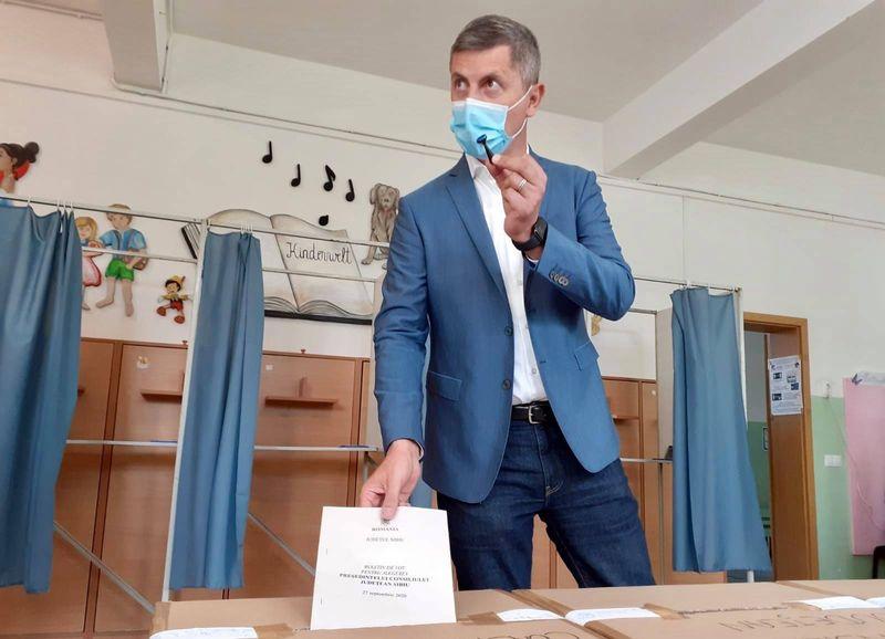 USR cere sa se voteze cu buletinele expirate la alegerile parlamentare.