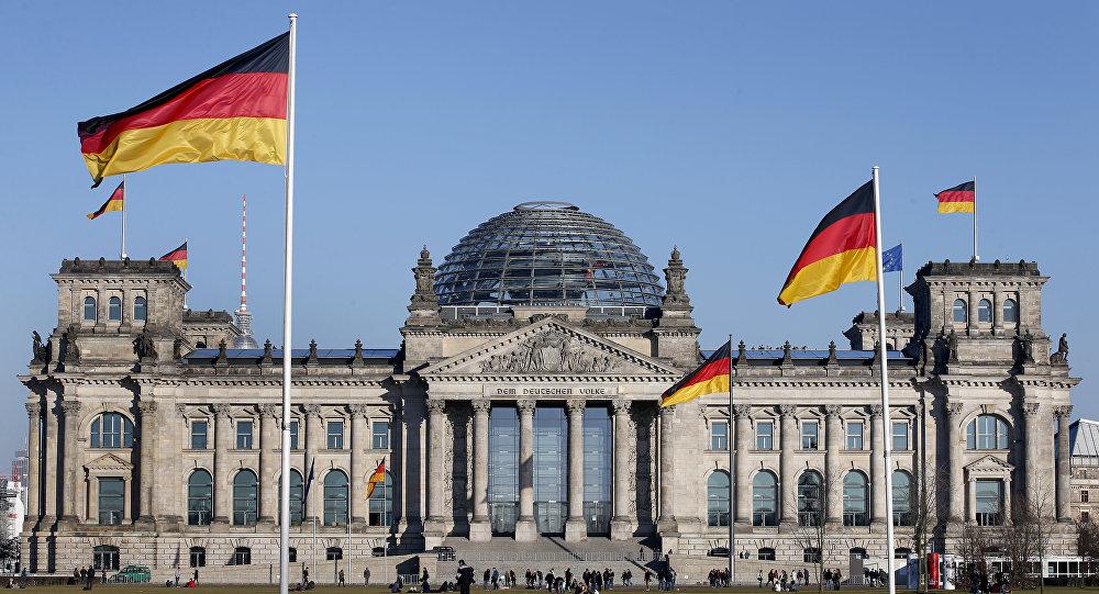 GERMANIA TINE STEAGUL SUS