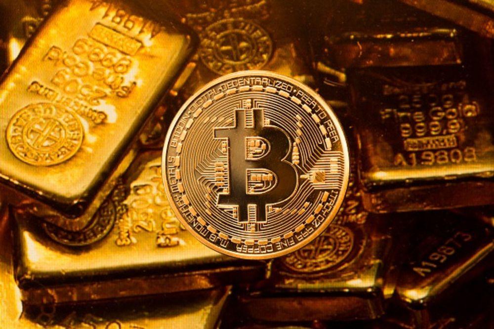 Bitcoin sau aur? XTB România: Moneda virtuală a crescut cu peste % în ultimul an