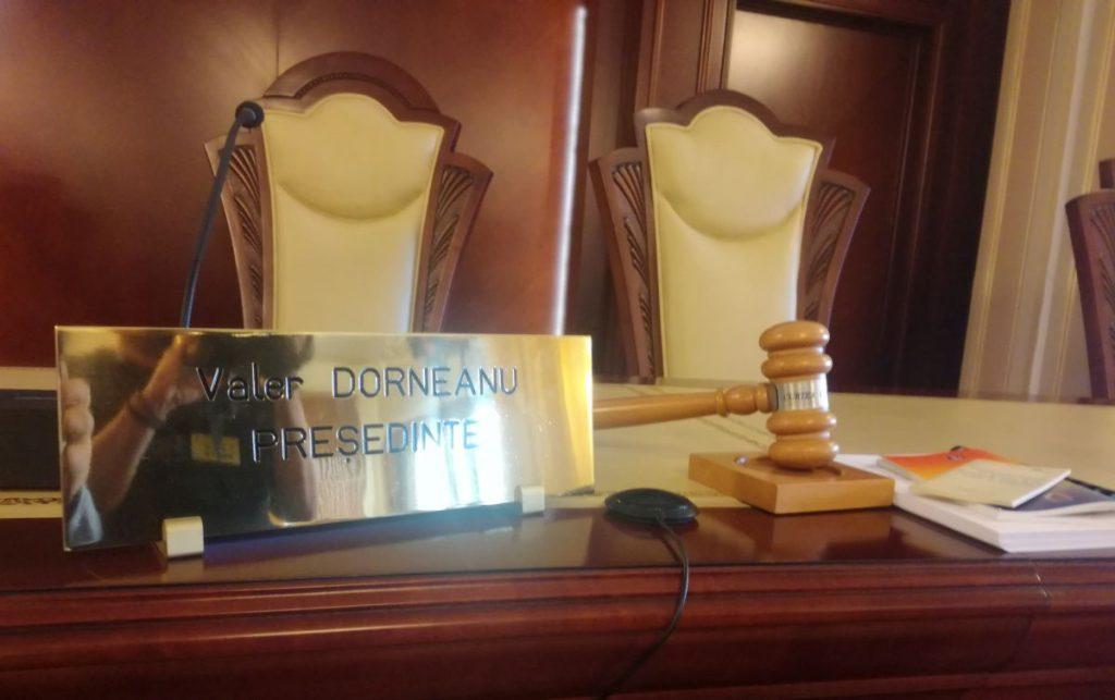 DISCRIMINARE IN ACORDAREA CONCEDIULUI – Avocatul Poporului a convins CCR. Ce este neconstitutional in lege (Document)